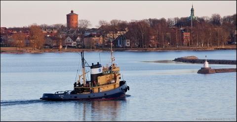 Karl med Vänersborg i bakgrunden. Datumet ska vara 20/4.