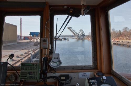 Söndag morgon 08:52. Snabb klarsignal från järnvägsbron och resan mot Göteborg startar