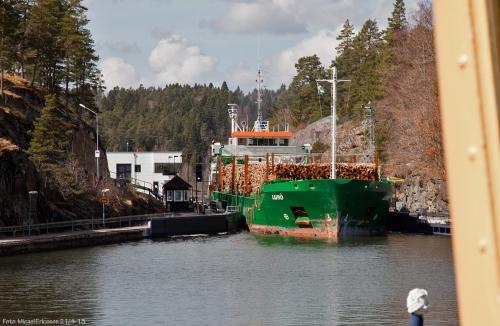 """""""Lurö"""" ville mötas styrbord/styrbord på höljan."""