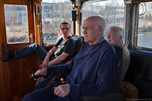 Karls tre man starka besättning. Åke, Håkan (vid rodret) och Bengt.