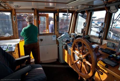 Ankommer Gotenius varv kl 17. Håkan svänger skickligt runt Karl, och de övriga förtöjer vid flytdockan. Det blev till att debarkera i dockan.