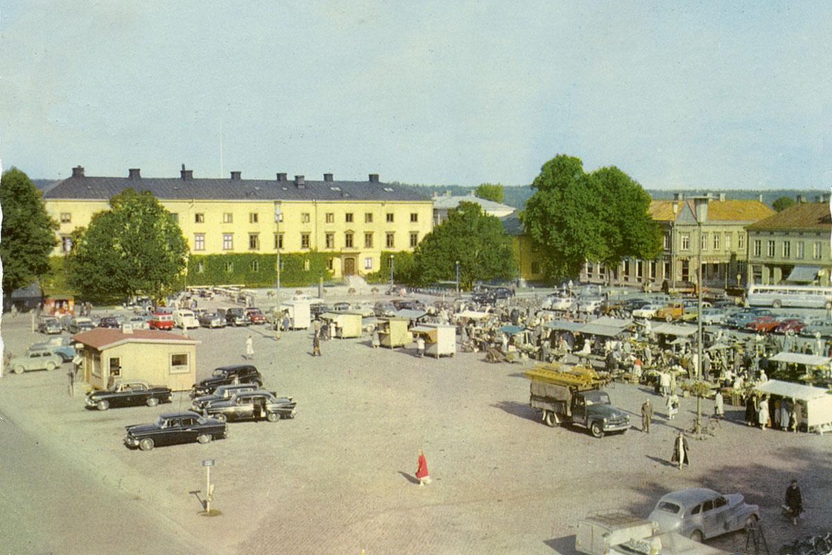 Vänersborg, torget sent 1950-tal.