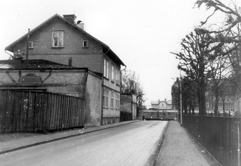 A. F. Carlssons gata/Torpagatan innan rivningen i mitten av 1970-talet. Fotograf okänd, ur vsg samling