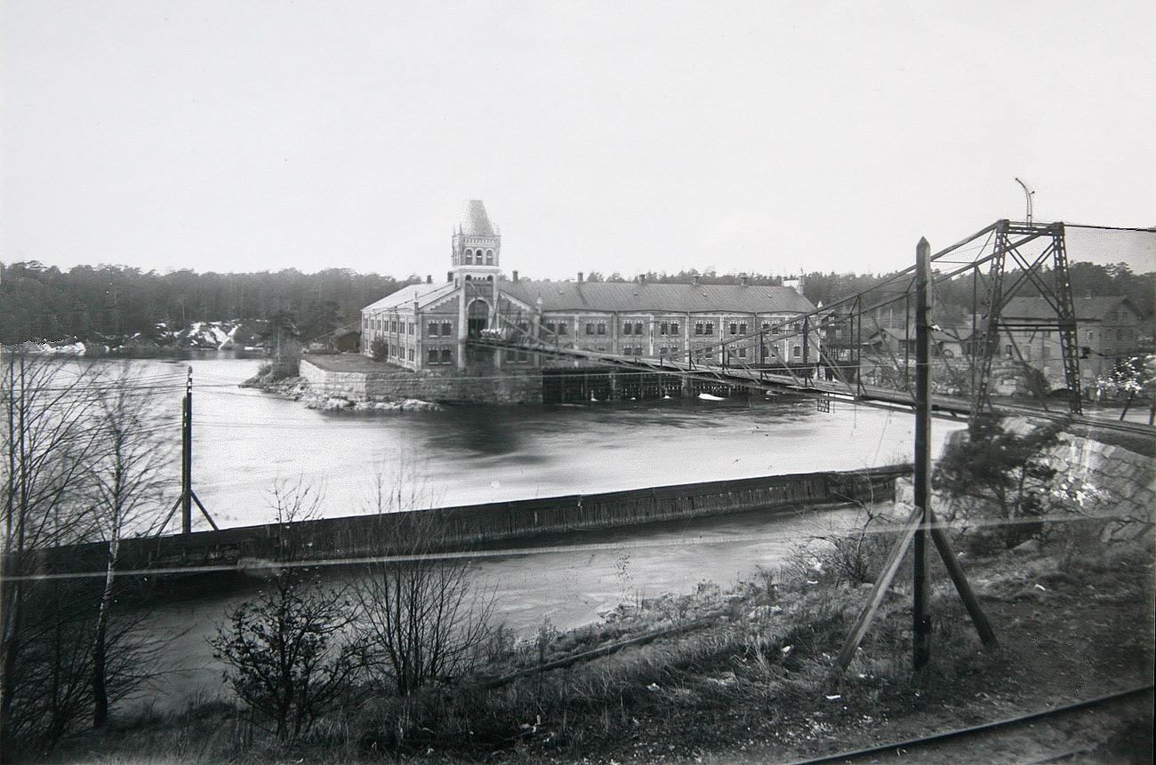 Träsliperiet, uppfört 1897. Men var är tornspiran? Okänt årtal men innan branden 1918