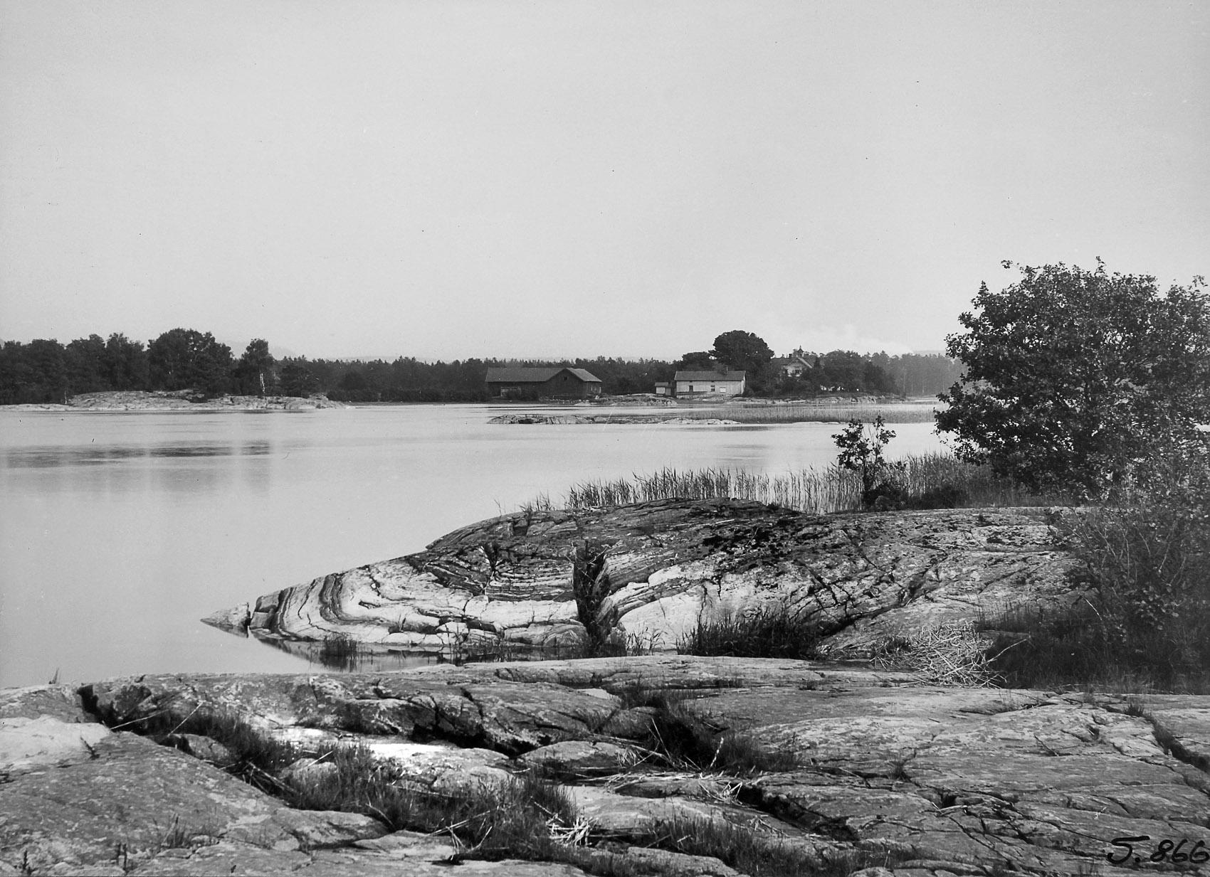 Vy mot Sjöboda från pegeln 1916