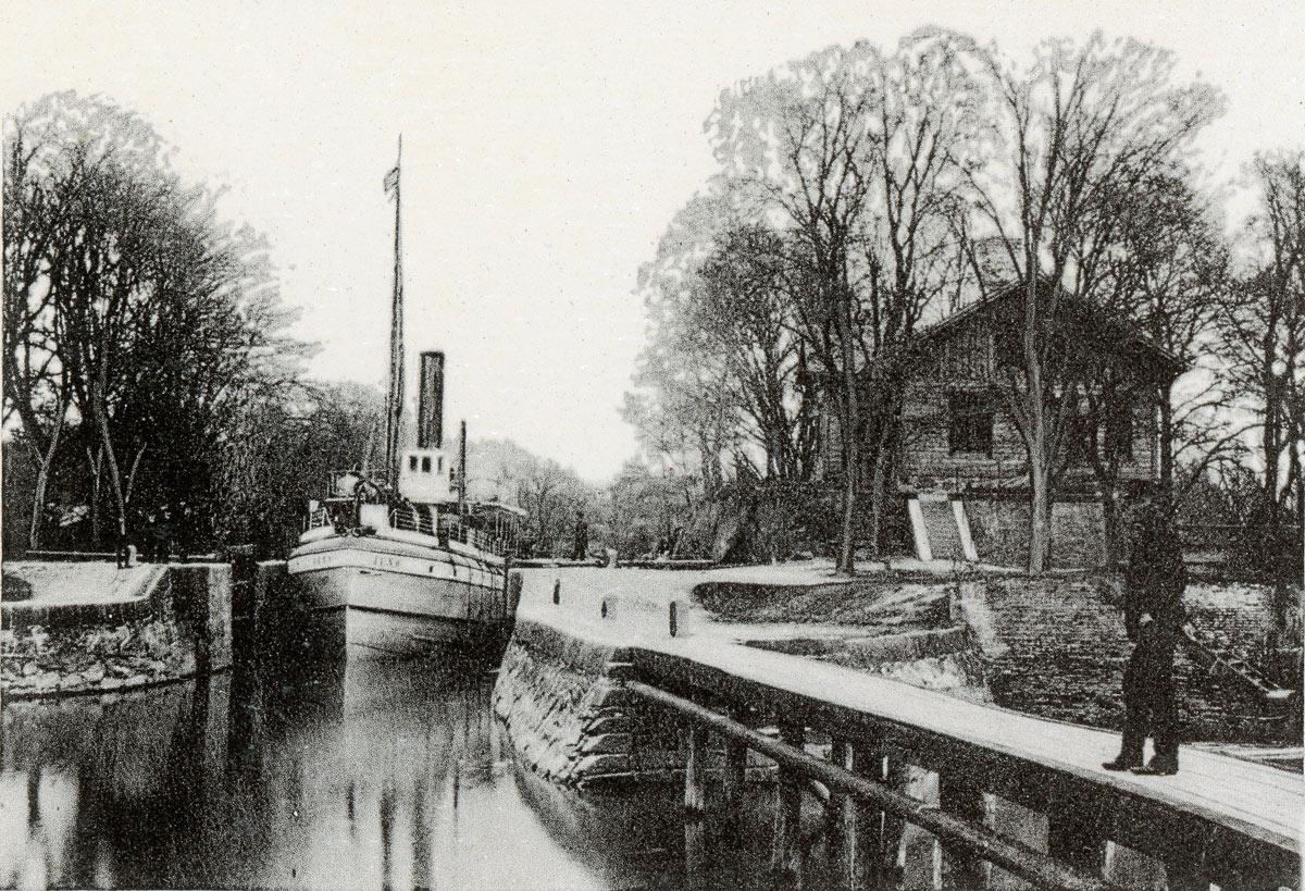 Juno i Kullens sluss. Foto före 1904.