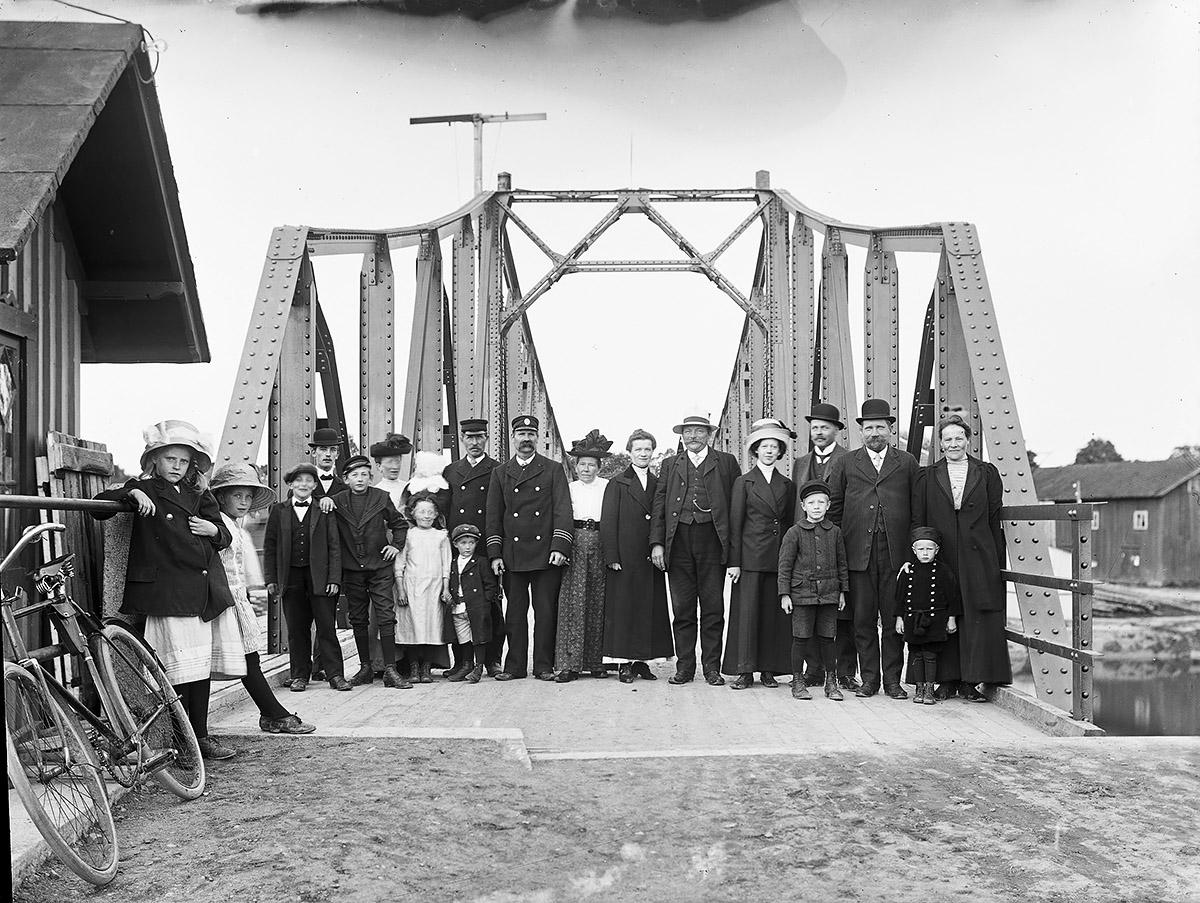 Gropbron omkring 1915. Foto: okänd / Vänersborgs Söners Gille