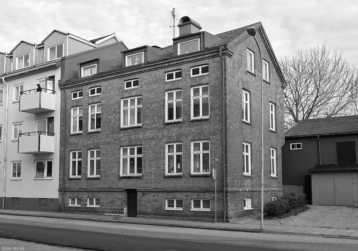 Hamngatan 27, Vänersborg. Foto: M. Ericsson 16-10-27