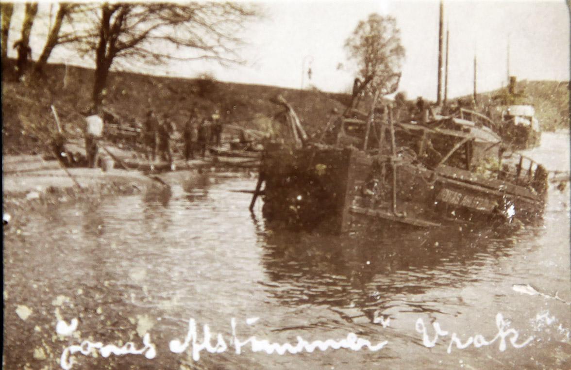 JONAS AHLSTRÖMER efter ångpanneexplosionen vid Ströms övre sluss maj 1910. Fotograf okänd / Vänersborgs Söners Gille